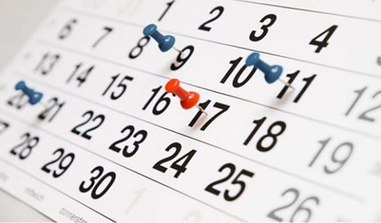 Calendário com dias específicos marcados