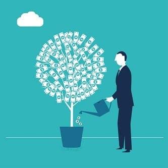 Ilustração de homem regando planta de dinheiro simbolizando investimentos