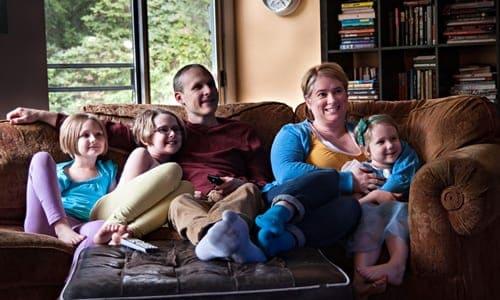 família reunida em um momento de lazer