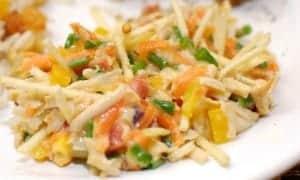 salpicão vegano servido em um prato