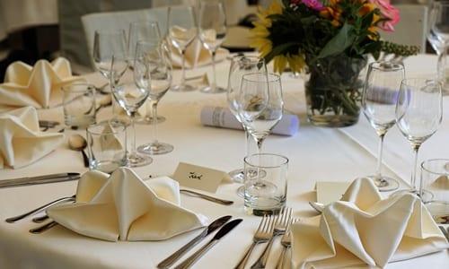 mesa de uma festa de casamento