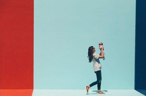mulher com criança