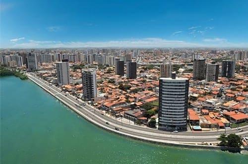 Vista aérea do Rio Sergipe em Aracaju.
