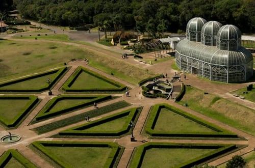 Vista aérea do Jardim Botânico de Curitiba.