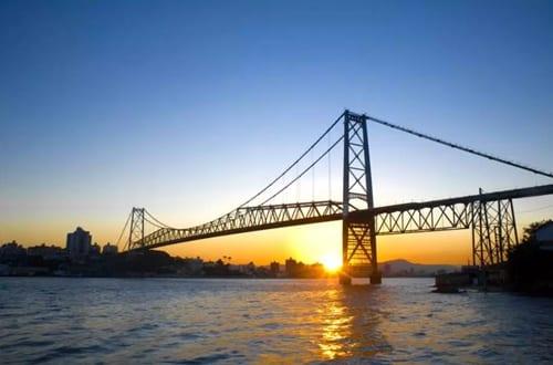 Ponte Hercílio Luz em Florianópolis.
