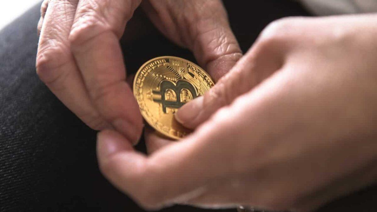 cotacoes moedas digitais diferença de criptomoeda e token