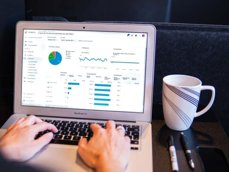 tela de computador mostrando gráfico