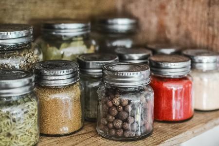 Imagem de pimentas em conserva, uma das ideias de negócios apresentadas no post