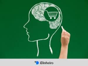 desenho em giz de cérebro com um carrinho de supermercado dentro, simbolizando consumismo
