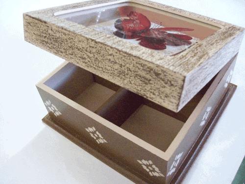 Exemplo de caixa decorada para o Dia das Mães