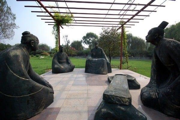 Estátuas representando os filósofos que pregavam o Confucionismo