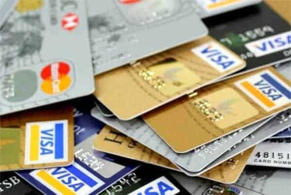 Foto de vários cartões simbolizando o tema Cartão de crédito para negativado