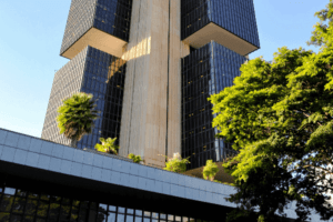 Foto da sede do Banco Central do Brasil, representando o tema Acesso ao crédito não está fácil