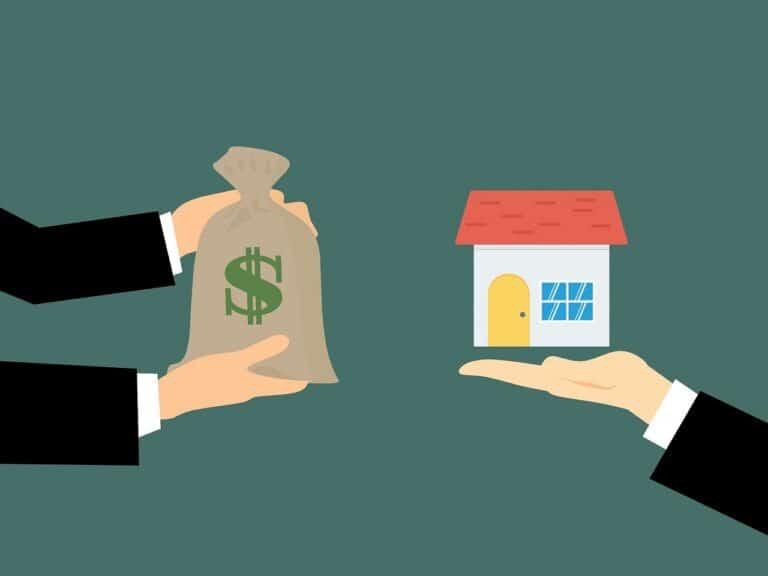 Pessoa fazendo empréstimo com garantia de imóvel