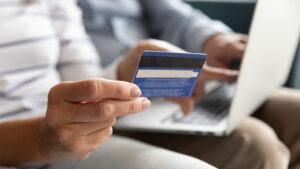 Conheça as principais taxas do cartão de crédito