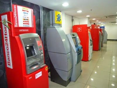 Caixas do Banco24Horas e outros bancos