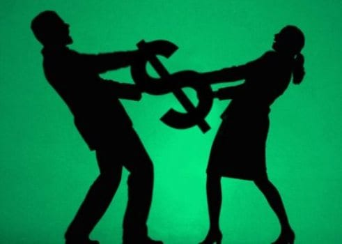Quem paga a dívida em conta conjunta?
