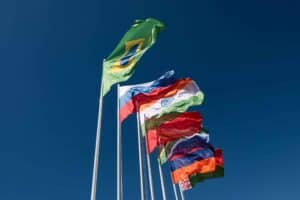 Brasil recebe US$ 1 bi por empréstimo do Banco do Brics