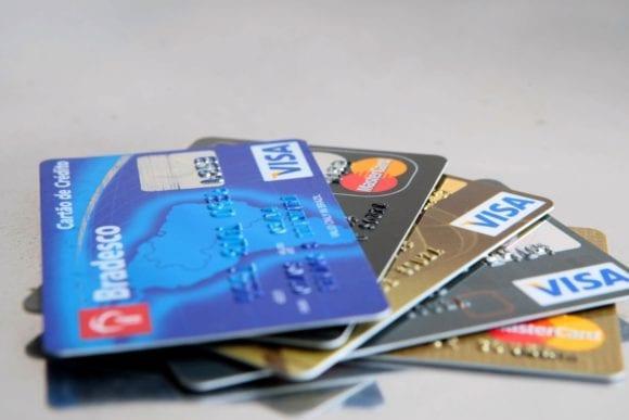 Saiba como pagar contas com o cartão de crédito.