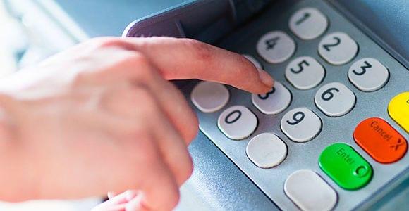 Se movimentar muito a poupança, terei que abrir conta corrente?