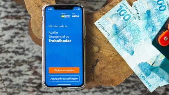 O Banco Pode Descontar Dívida do Auxílio Emergencial?