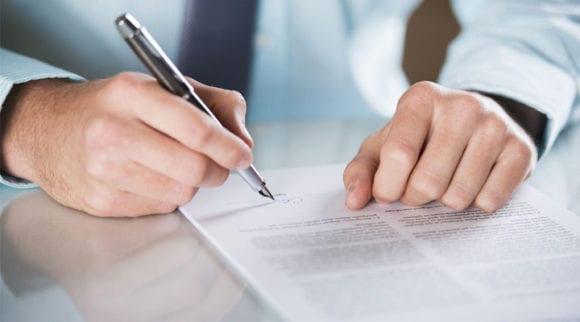 O Que é Contrato de Adesão? Como Rever?