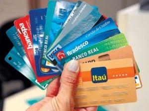 É Possível Pagar a Fatura de um Cartão de Crédito com Outro Cartão?