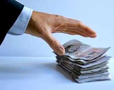 Congelamento da poupança: o governo pode pegar o meu dinheiro do banco?