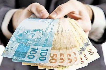 O banco pode reter meu dinheiro em caso de dívidas?