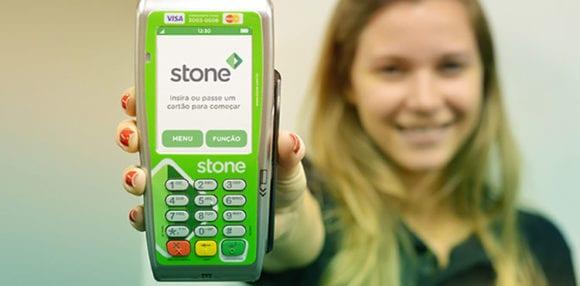 A Stone oferece dois modelos de máquinas.