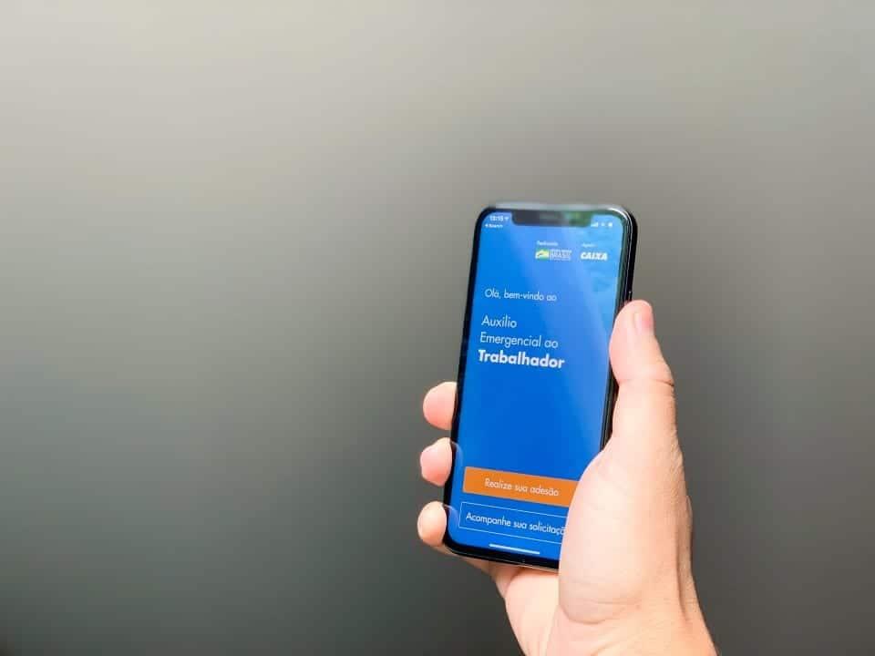 Imagem do aplicativo usado para o auxílio emergencial, que em breve permitirá também recebimento do Bolsa Família pelo Caixa Tem