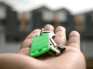 chave de casa, representando crédito imobiliário pelo ipca