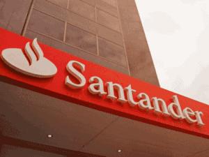 fachada do santander, representando santander lança linha de crédito