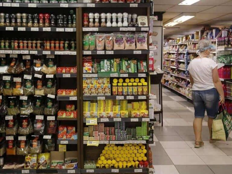 supermercado, representando inflação em agosto
