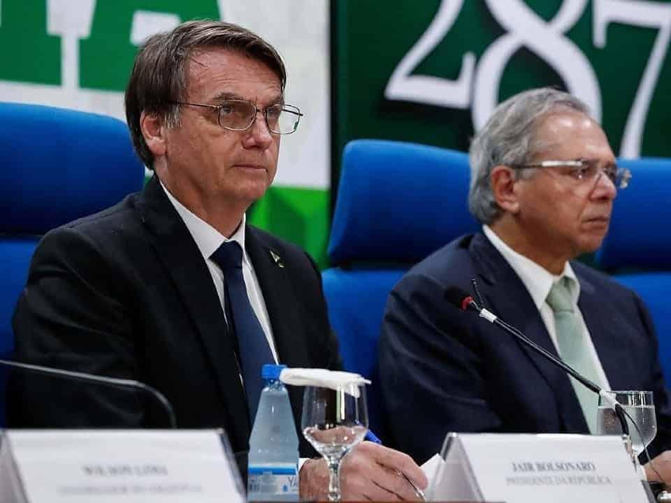 Imagem de Jair Bolsonaro e Paulo Guedes, representando a nova proposta da reforma administrativa que deverá ser entregue hoje