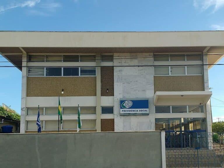 Imagem de uma agência do INSS, simbolizando a notícia de que Prova de vida é suspensa até outubro