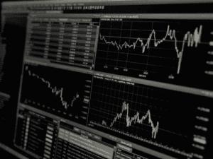 gráficos representando reserva de ações da boa vista scpc
