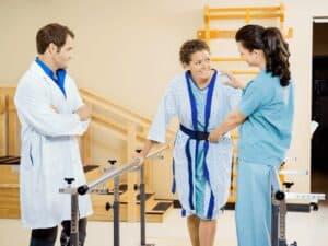 Paciente, fisioterapeuta e médico, representando Cargos que apresentaram maior crescimento