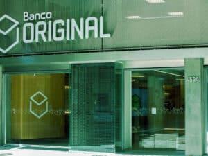 fachada do banco original, representando Pix com taxa zero para empreendedores