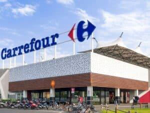 fachada de um superpercado carrefour, representando Trabalhar no Carrefour