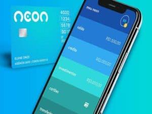 celular e cartão neon, representando cartão de crédito com score baixo neon