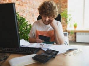 Investidor avaliar a pior rentabilidade da poupança