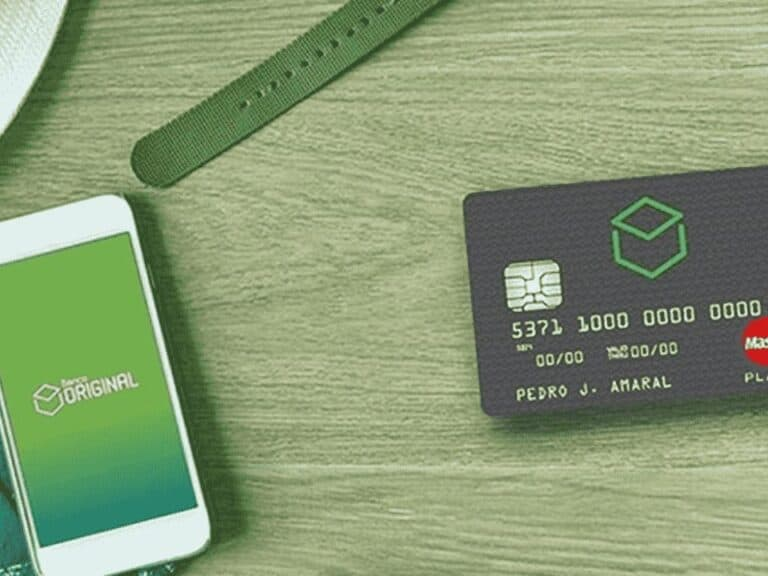 celular e cartão com logo do original, representando black friday do original