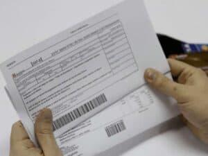 boleto impresso representando boleto falso