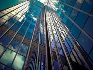arranha-céus representando fundos imobiliários na pandemia