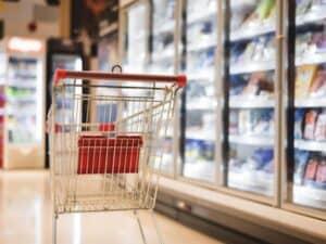 carrinho de compras vazio no supermercado