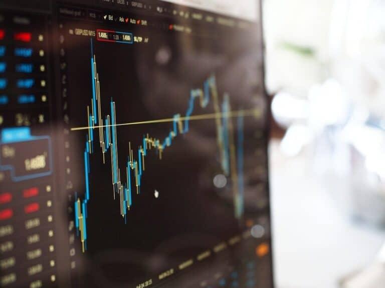 gráfico, representando investimentos em ações na bolsa