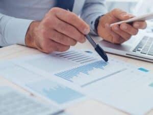 análise de relatório, representando safra invest