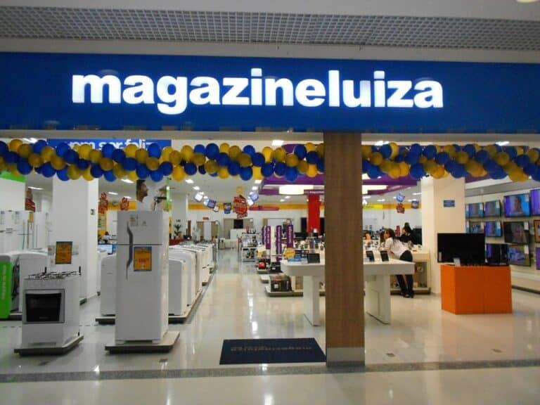 Frente de loja da magazine luiza, representando vagas de emprego na magazine luiza