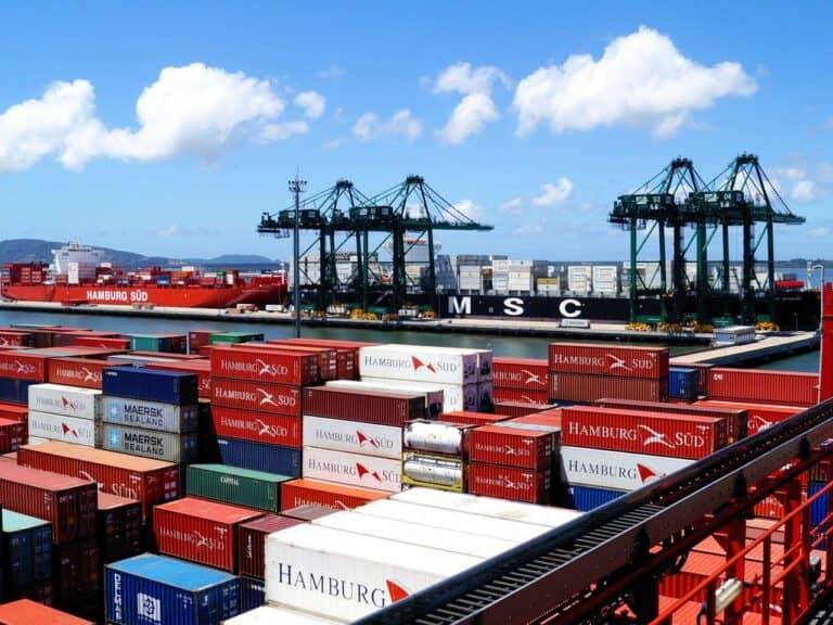 containers, representando Taxa de capatazia